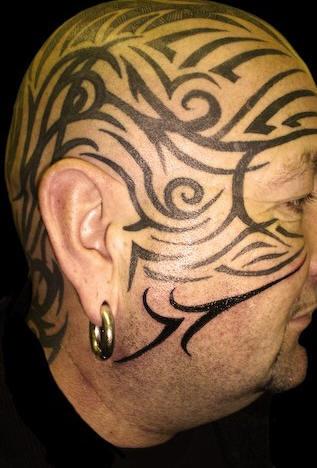 Tatuaggio disegni sulla testa