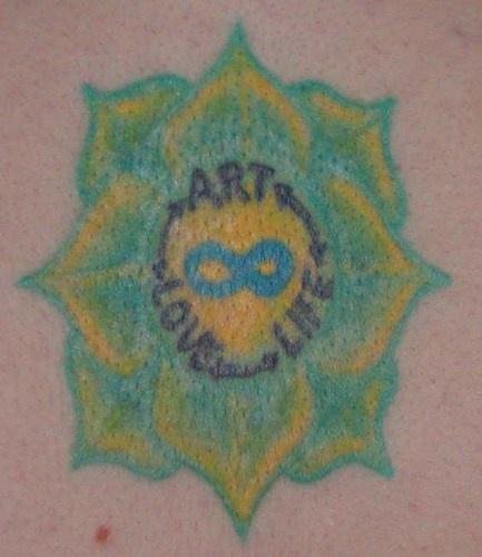 """tatuaggio rentimentale arte l&quotamore vita simbolo di infinita"""" nel fiore"""