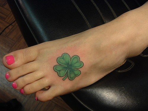 Little green patrick&quots day leaf foot tattoo