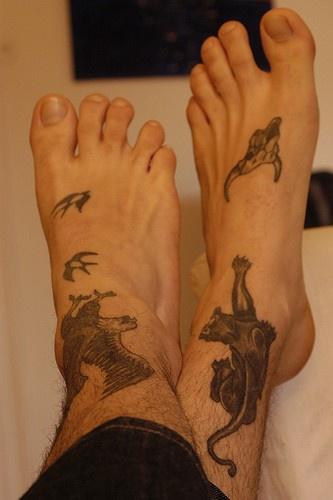 Тату с животными на ноге