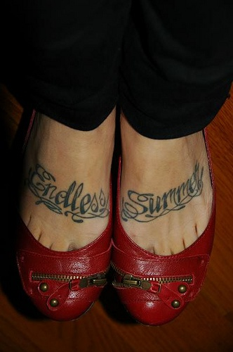 Special print endless summer foot tattoo