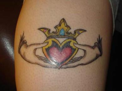 Friendship symbol of kladdagh tattoo