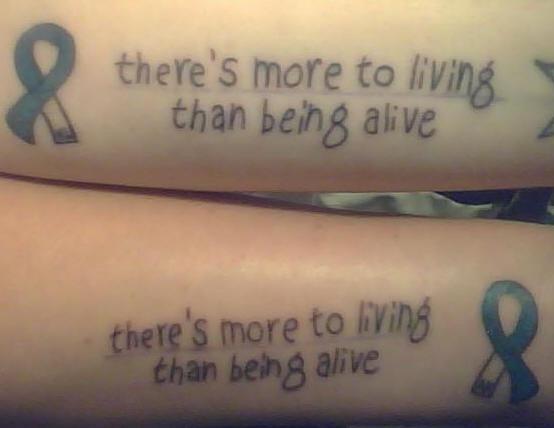 aids braccio di amicizia tatuaggio