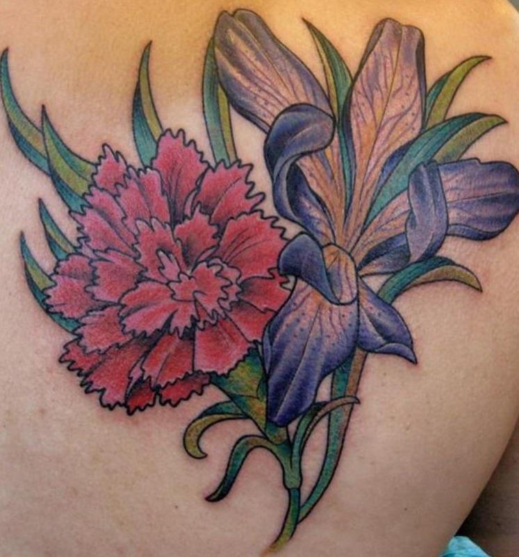 Le Tatouage D œillet Avec Une Fleur Bleu En Couleur Tattooimages Biz