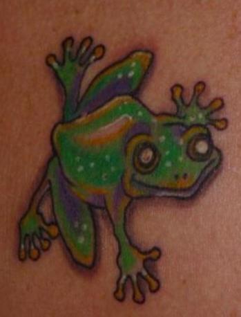 rana verde sorridente tatuaggio