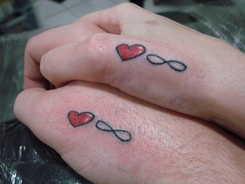 infinito amore tatuaggi simili