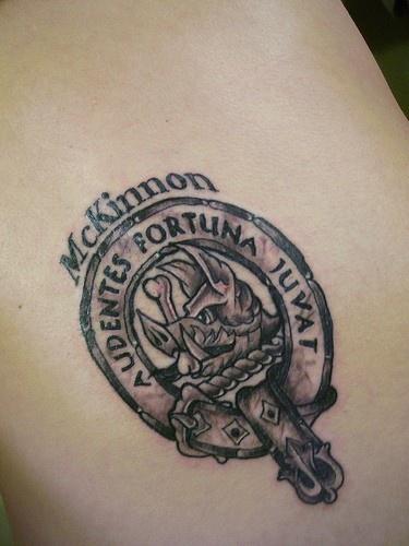 mckinon stemma di famiglia  tatuaggio