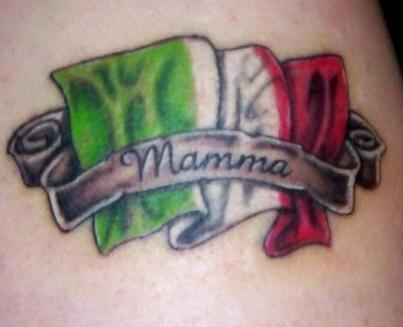 Mamma italia la bandiera tatuaggio
