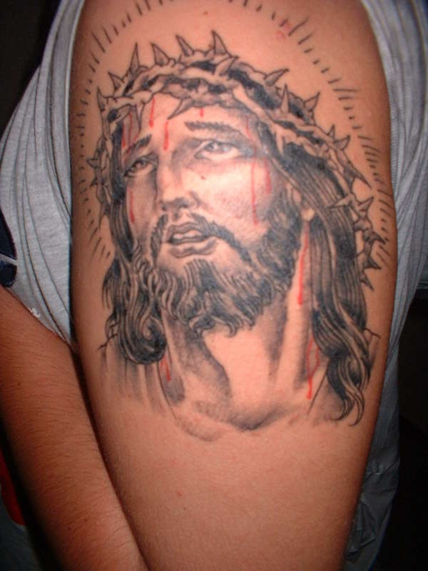 "gesu"" testa in sangue tatuaggio"