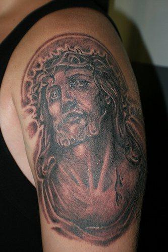 """gesu"""" in dolore inchiostro nero tatuaggio"""