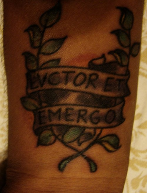 evctor et emergo e allori tatuaggio