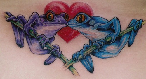 Blue and purple frogs kissing tattoo