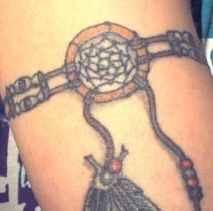 Nativo americano talismano bracciale tatuaggio