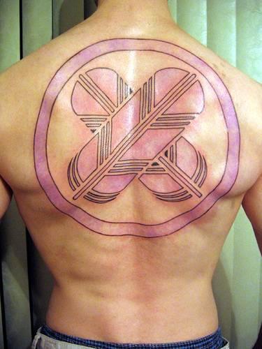 Nativo americano tatuaggio sulla schiena