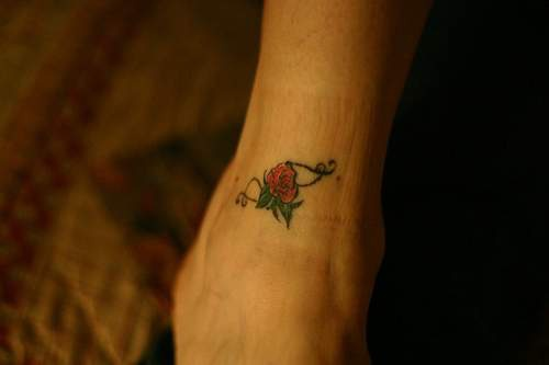 Tattoo Mit Kleiner Rose Am Knochel Tattooimages Biz