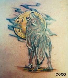 Pleine Lune Avec Le Tatouage De Loup Hurlant Tattooimages Biz