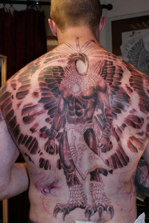 Un Gros Tatouage Sur Le Dos Avec L Homme Aigle Tattooimages Biz