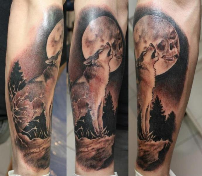 Tattoo wolf howling at the moon - Tattooimages.biz