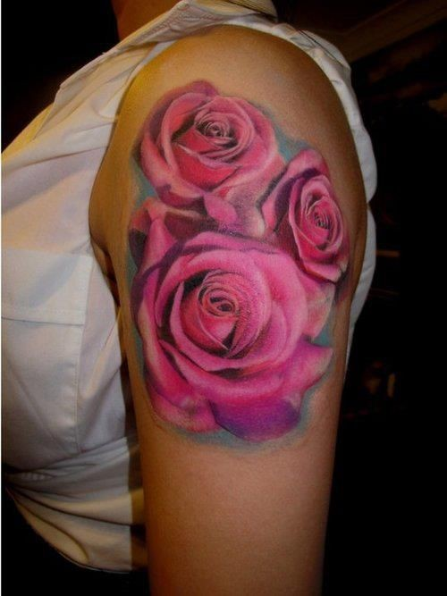 Tatuaggio carino sul braccio le rose rosa