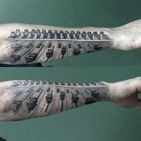 3D schwarzes und weißes Musik-Mixer Tattoo am Arm