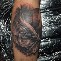 3D realistico inchiostro nero grande pesce tatuaggio  su stinco