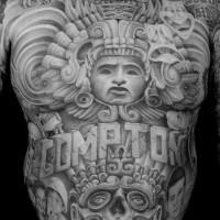 3D sehr detailliertes massives Tattoo mit Tribal Verzierungen am ganzen Körper mit Porträts und Schriftzug