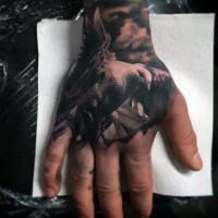 3D molto realistico nero e bianco colombo tatuaggio su mano