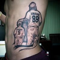 Tatuaje En El Costado Padre E Hijo Juegan Al Béisbol Diseño