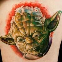 Tatuaje en el brazo, maestro Yoda realista volumétrico