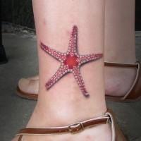 Tatuaje en el tobillo,  estrella de mar roja fina