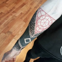 Awesome geometric tattoo on forearm