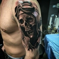 Enormous 3D style upper arm tattoo of pilot skeleton
