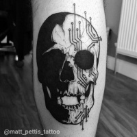 Great black and white skull tattoo on leg
