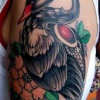 grande nero cigno con rosso jem e fiori tatuaggio su spalla