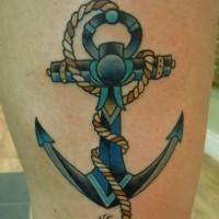 grande ancora blu tatuaggio su coscia