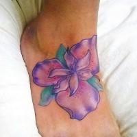 grande colorato fiore iris tatuaggio sul piede
