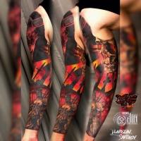 Tatuaggio a manica lunga con incredibile tema della guerra