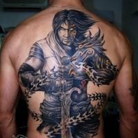 cavaliere mistico con spada e catene tatuaggio pieno di schiena