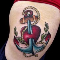 vecchia scuola ancora - spada penetrante tatuaggio su coscia