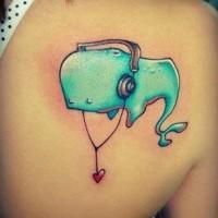 vecchio fumetto colorato animale balena con cuffi ascolta musica tatuaggio su spalla