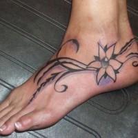 bei fiori filigrana tatuaggio per ragazza su piede