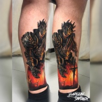 Realista tatuaje de caballero en la pierna