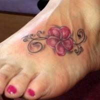 piccolo colorato fiore hawaiano tatuaggio su piede