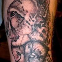Uncolored mum and child cheetah tattoo