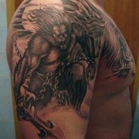 Tatuaggio pittoresco sul deltoide il lupo mannaro aggressivo