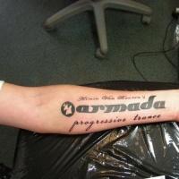 bellissima citazione musica tatuaggio su braccio
