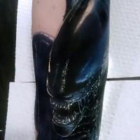 aliene xenomorph arte avambraccio tatuaggio