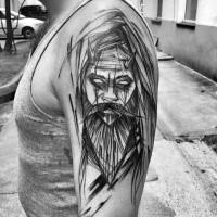 Tatuaje de brazo negro de tinta estilo asiático tradicional del hombre místico con cuernos