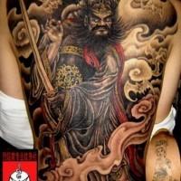 imperessionante diavolo cinese tatuaggio sulla schiena