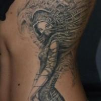 eccezionale bella ragazza tatuaggio su costolette